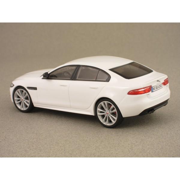 Jaguar Sport: JAGUAR XE R-SPORT 2015 White