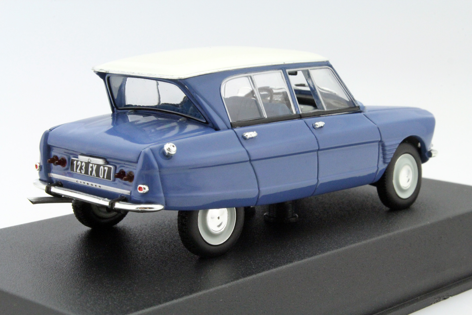 citroen ami 6 1967 bouillard bleu die cast model norev 153505. Black Bedroom Furniture Sets. Home Design Ideas