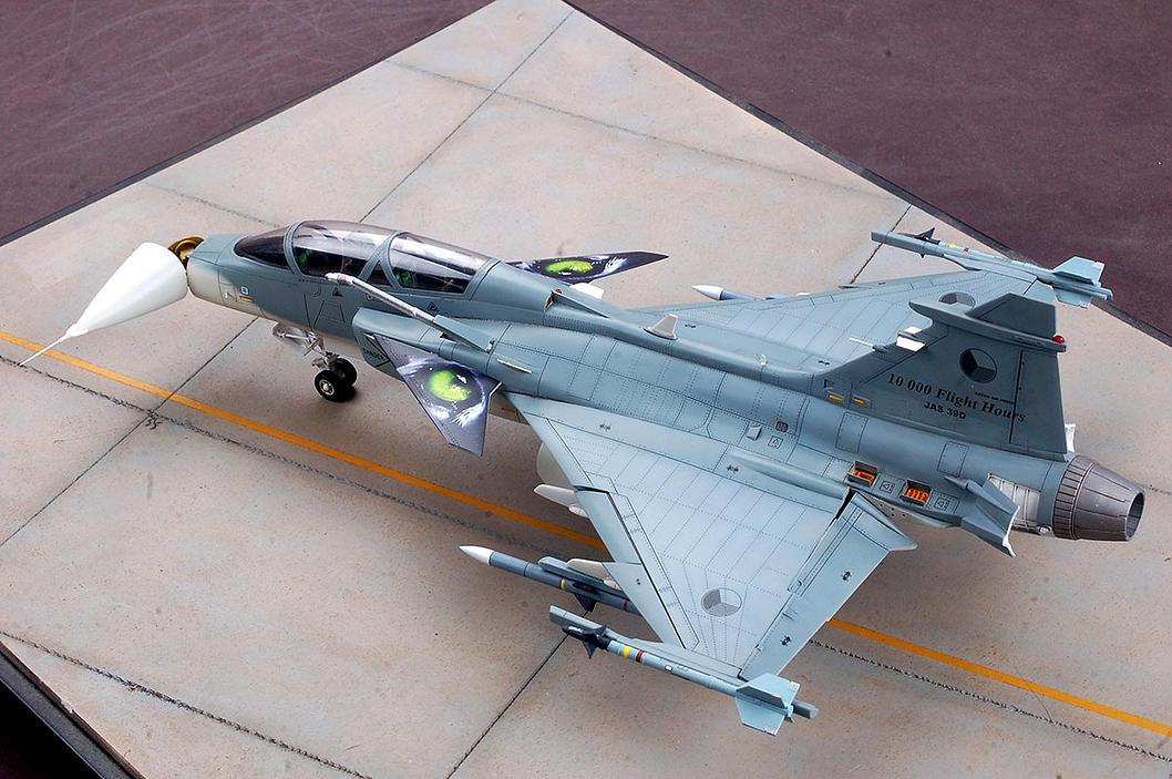 SAAB Jas-39B/D Gripen Kittyhawk 80118