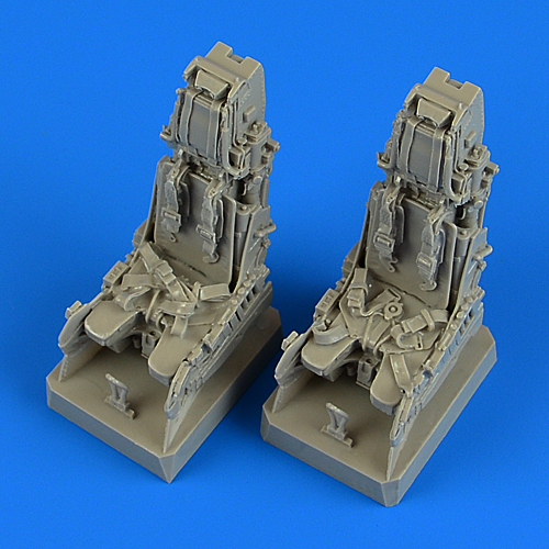 EF Typhoon ejection seats with safety belts REVELL - Image 1