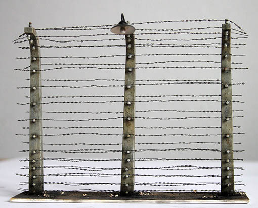 Barbed wire fence Plus Model 358