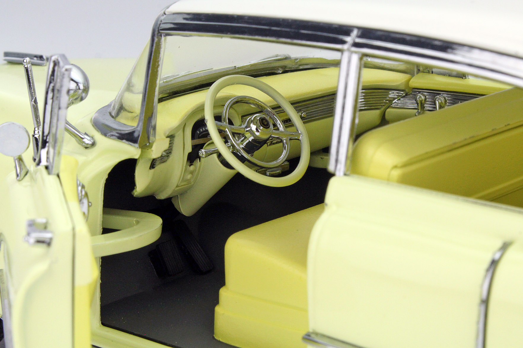 1955 Cadillac Fleetwood Series 60 Yellow White Roof Die Cast Engine Greenlight 12937