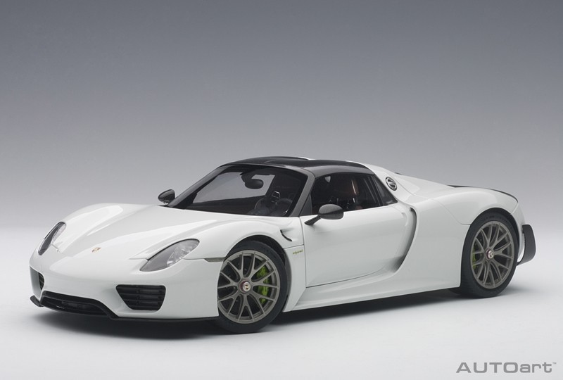 porsche 918 spyder weissach package 2013 glossy white composite model full openings die. Black Bedroom Furniture Sets. Home Design Ideas