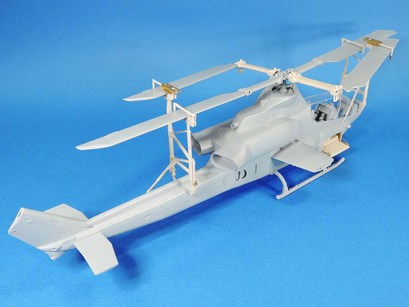 Legend 1369 1//35 AH-1Z Upgrade Blade Fold Rack Set