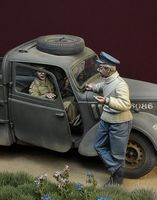 """War Flirtation"" Battle of Britain 1940 3 figures set"