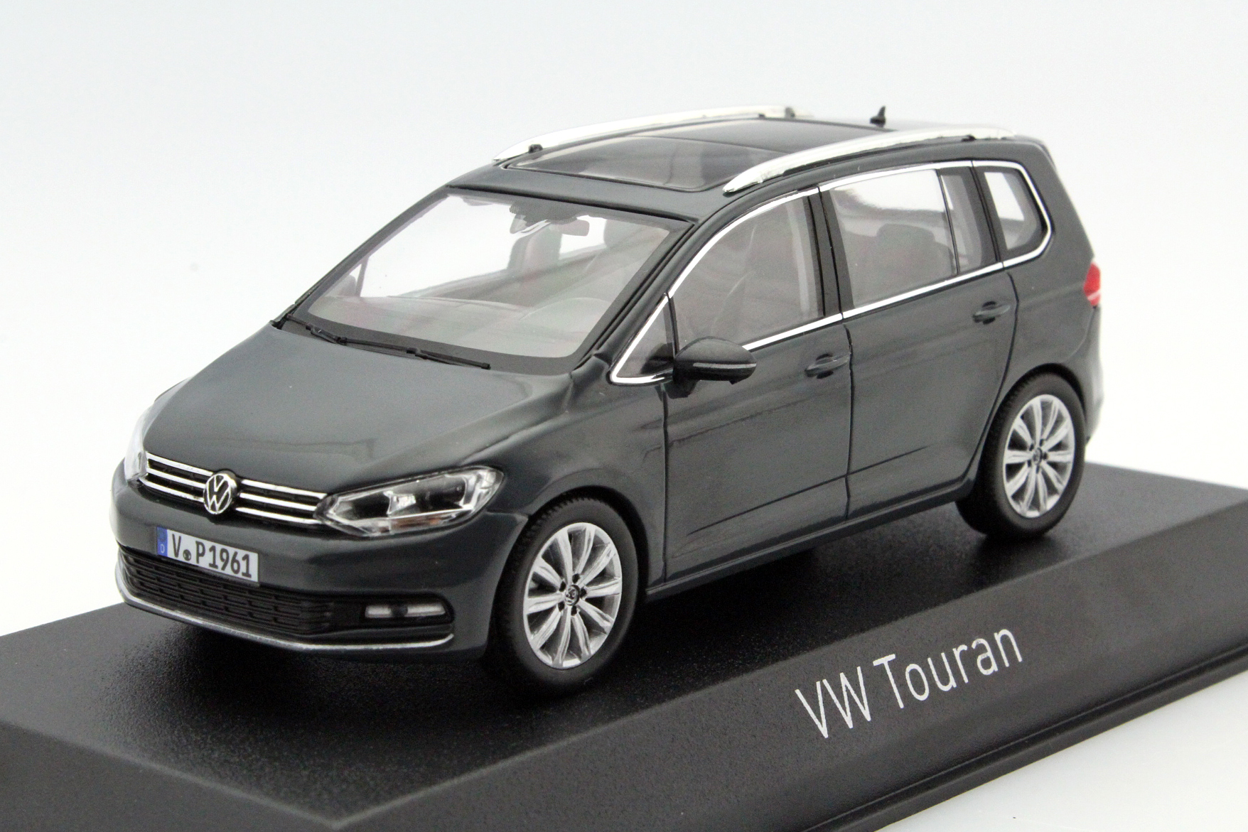 volkswagen touran 2015 grey solid die cast model norev. Black Bedroom Furniture Sets. Home Design Ideas