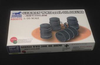 Bronco 1//35 AB3575 German WWII 200L Oil Drums