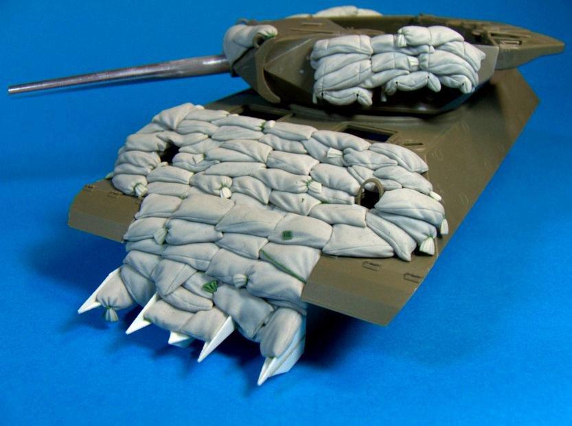 "SCALE 1//35 PANZERART RE35-175 ""Heavy"" Sand Armor for M10 ""Wolverine"" Tank Des"