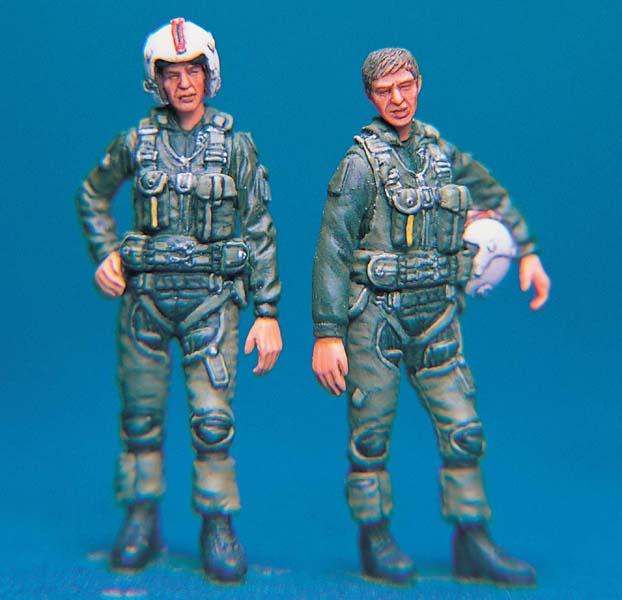 PLUS MODEL AL4080 Pilot Mirage Resin Figur in 1:48