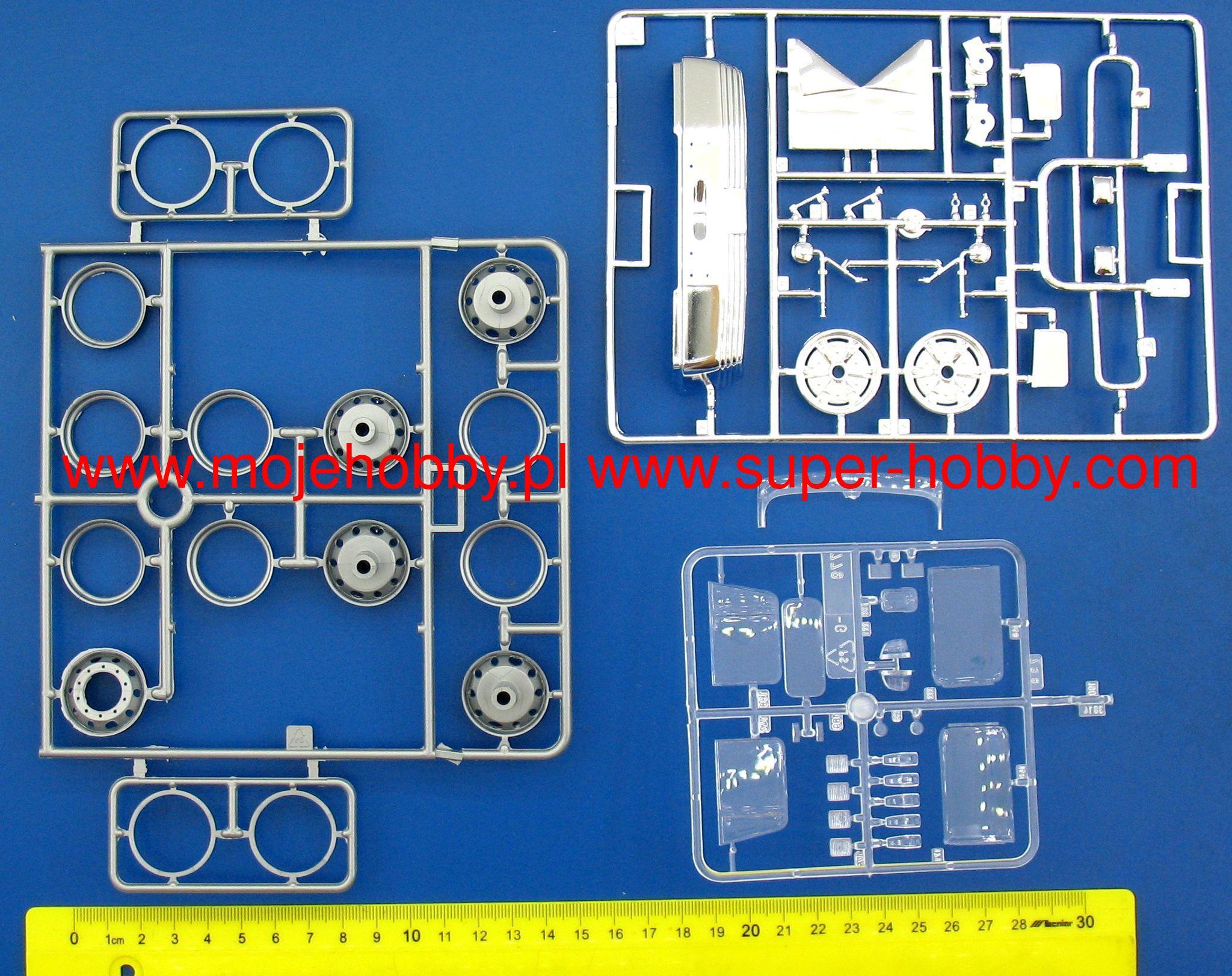 Freightliner FLD 120 Special Italeri 3925