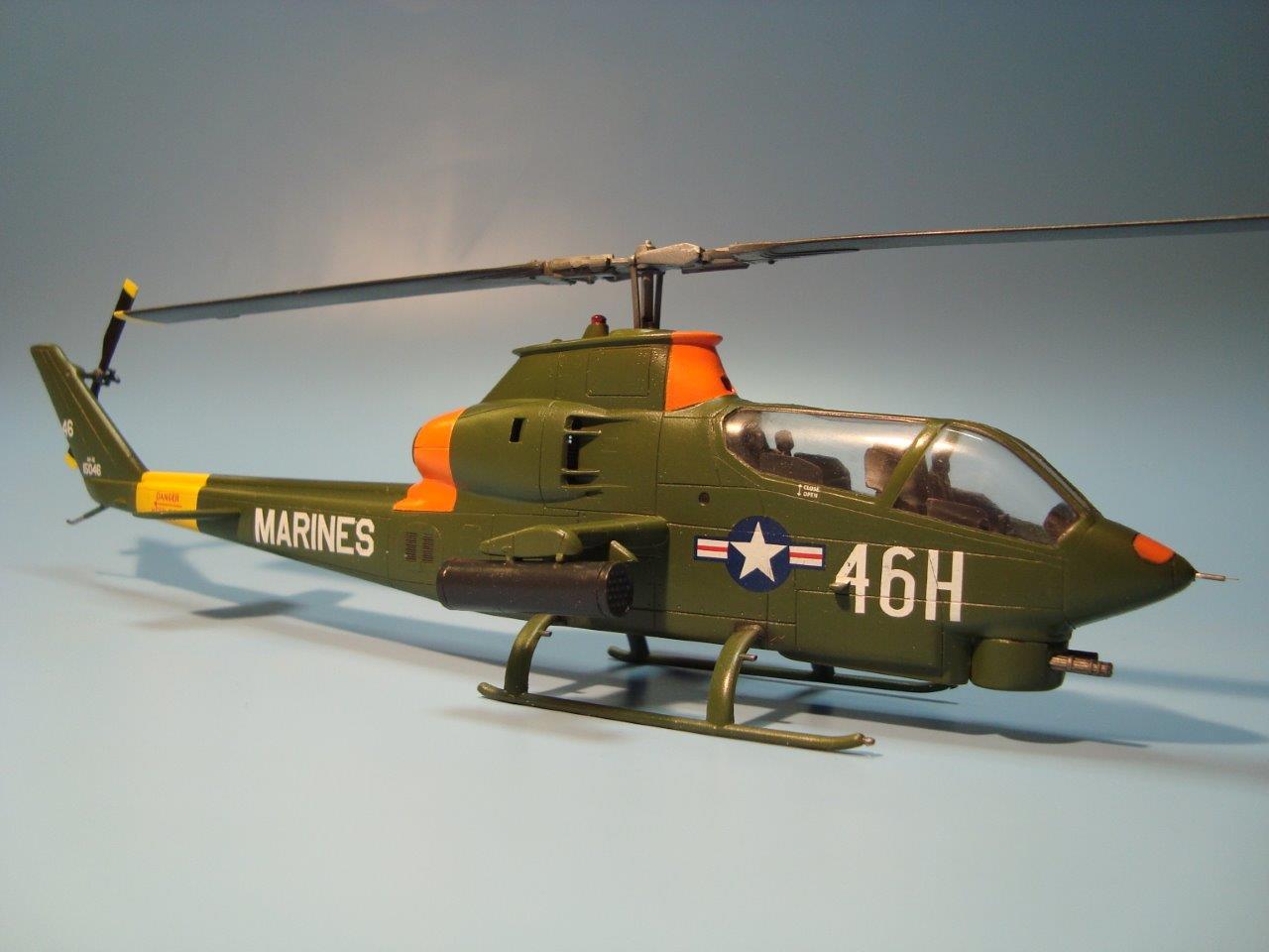 Zts Plastyk Escala 1//72 Bell AH-1G Huey Cobra-Us Army Attack Helicoptero