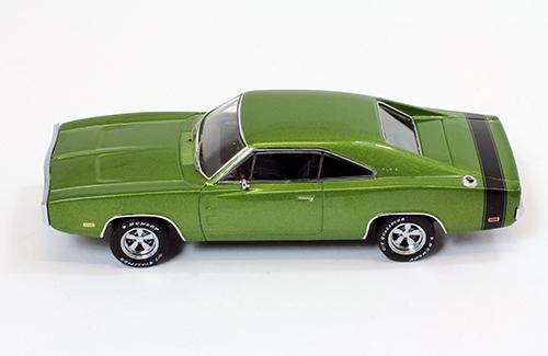 Premium X 1:43 DODGE Charger 500-1970 green