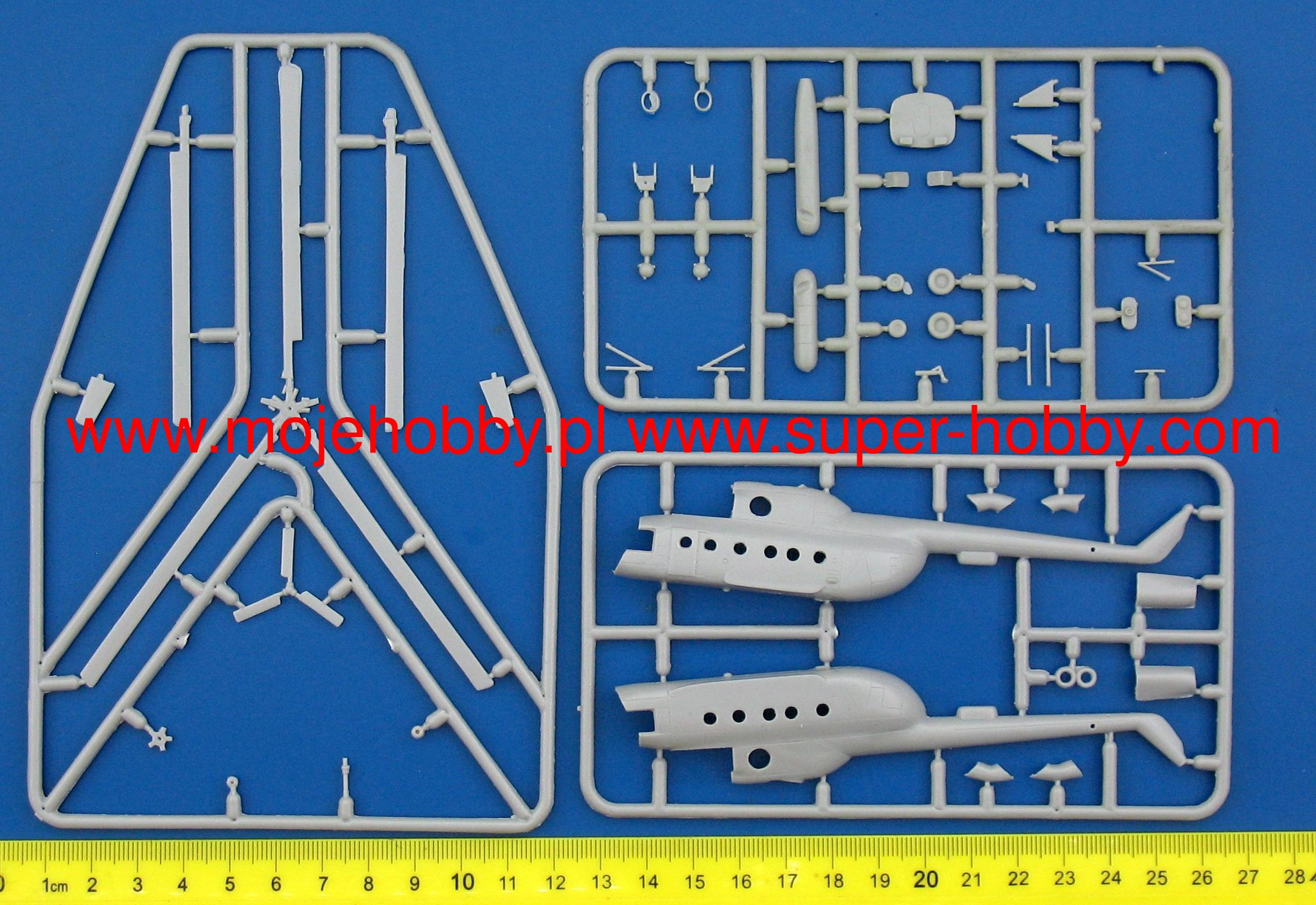 Eastern Express 14505 Soviet Multi-purpose Helicopter Mi-8T 1:144